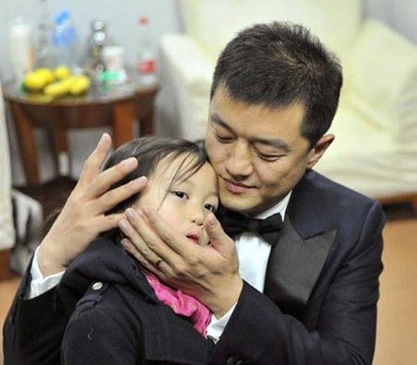 Lý Á Bằng và con gái Lý Yên, năm nay 7 tuổi.