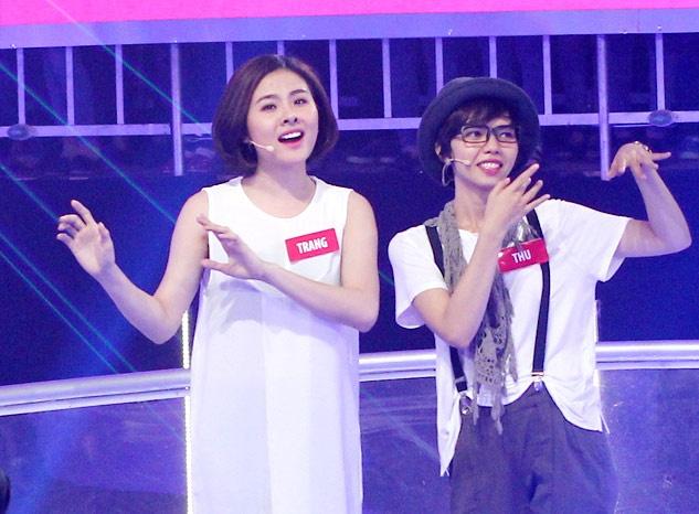Van Trang nhi nhanh khi choi game show hinh anh