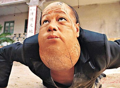 Canh quyet dau giua Chau Tinh Tri va Luong Tieu Long trong Tuyet dinh kungfu hinh anh