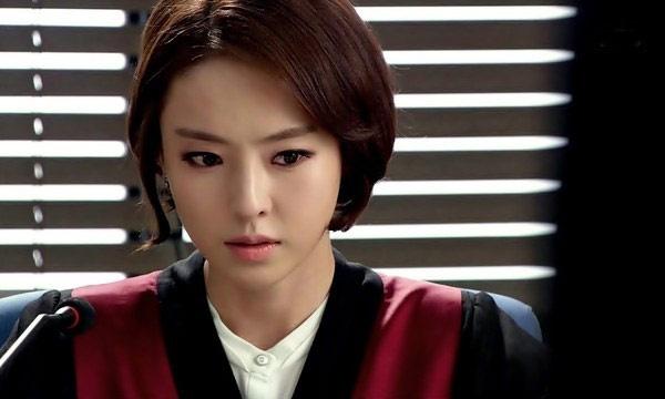My nhan sexy khien khan gia ghet tren man anh Han hinh anh 2 Diễn xuất nội tâm đã giúp cô ghi điểm cho vai thứ chính đầu tiên trong sự nghiệp.