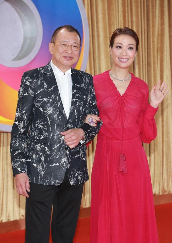Sao TVB dap diu bat cap tren tham do hinh anh 9