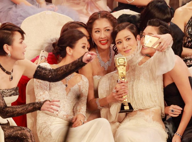 Xa Thi Man gianh 2 giai thuong TVB 2014 hinh anh