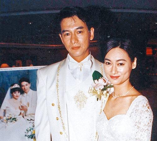 """Nhung dien vien TVB co ho hang voi nhau hinh anh 5 """"Đả nữ"""" của phim hành động Hong Kong - nữ diễn viên Huệ Anh Hồng có người anh trai là Huệ Thiên Thích, chuyên đóng vai phụ trong nhiều bộ phim TVB. Tháng 10/2012, Huệ Thiên Thích qua đời, hưởng dương 55 tuổi."""