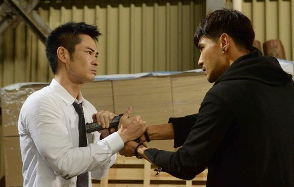 Trịnh Gia Dĩnh trở lại TVB đóng vai anh em sinh đôi với Trần Triển Bằng.