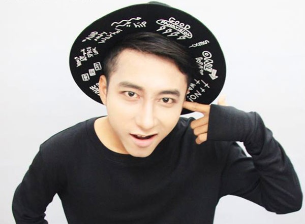 Ban sao Son Tung M-TP duoc moi dong phim sau khi bi fan danh hinh anh