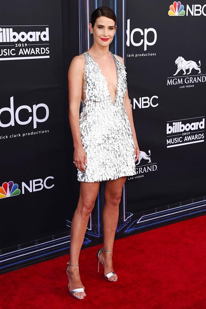 Beyonce va dan sao quoc te mac thiet ke cua Cong Tri tren tham do 2019 hinh anh 5 Sao_Hollywood_mac_Cong_Tri_2019_5.jpg