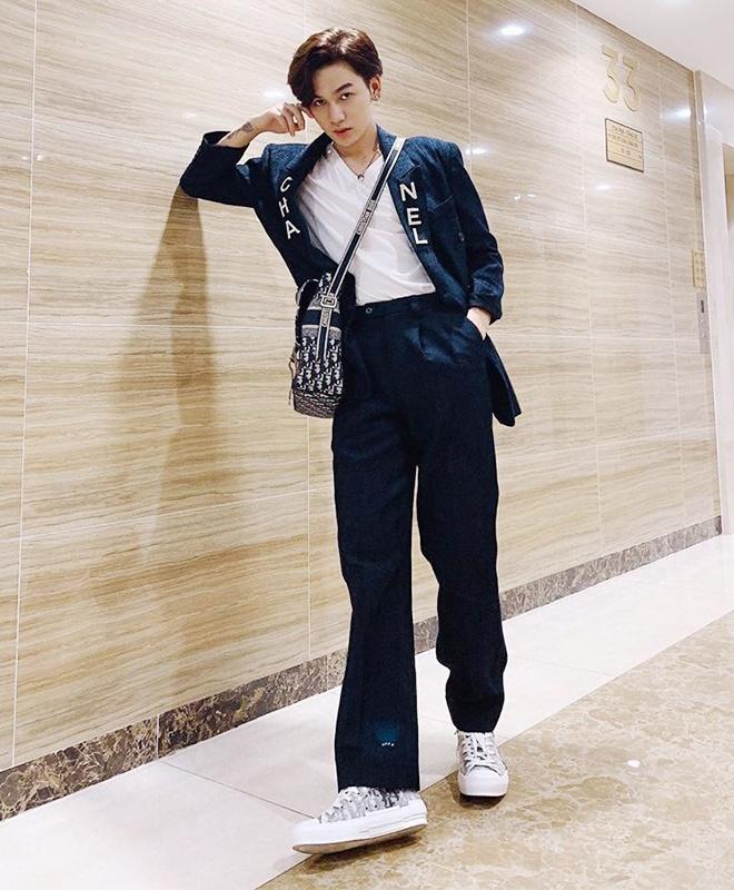 Duc Phuc chuong do mau me, Le Xuan Tien thich khoe body 6 mui hinh anh 11 Sao_nam_Vbiz_1996_7_1.jpg