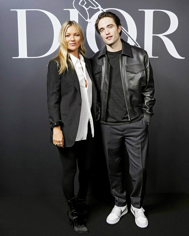 Bella Hadid mac kin bung, Cara Delevingne dien noi y khoe body sexy hinh anh 6 Sao_du_show_Dior_Homme_6.jpg