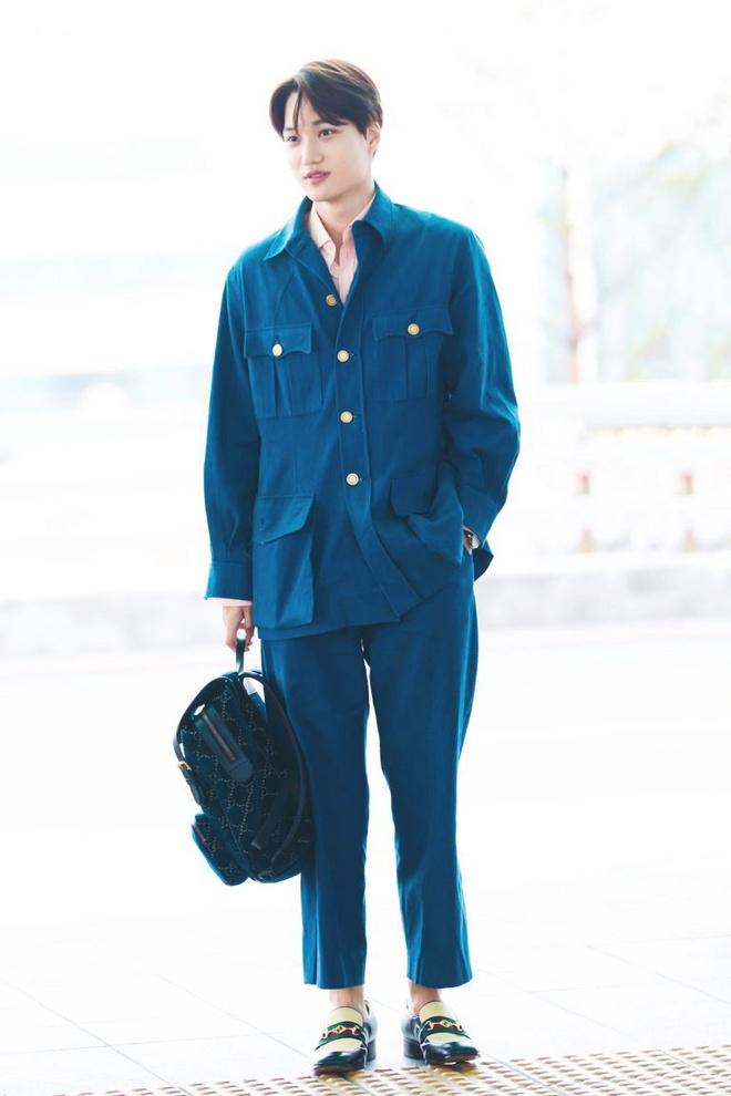 Ao crop top ho ron va loat trang phuc chi Kai (EXO) moi mac dep hinh anh 10 Outfit_Kai_EXO_5.jpg