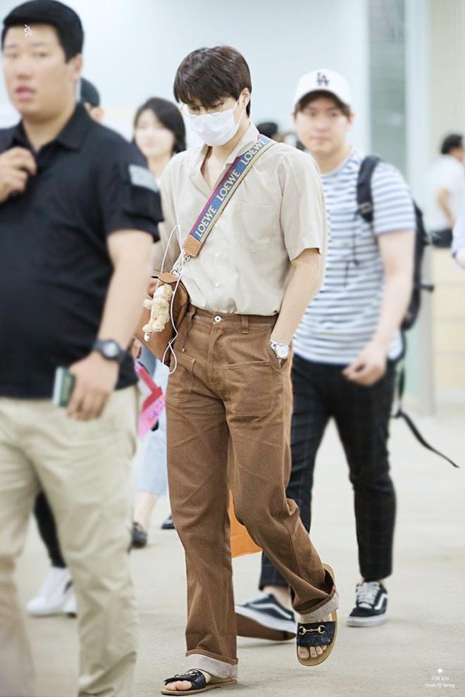 Ao crop top ho ron va loat trang phuc chi Kai (EXO) moi mac dep hinh anh 12 Outfit_Kai_EXO_9.jpg