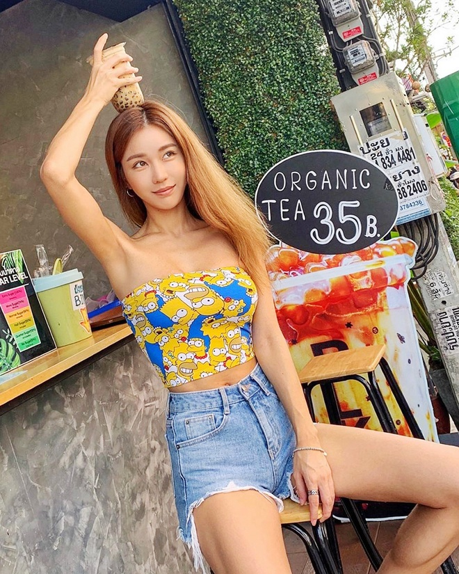 Nu DJ chuong bikini khoe dang goi cam, mac dep khong kem sao Han hinh anh 6 DJ_Siena_style_4a.jpg
