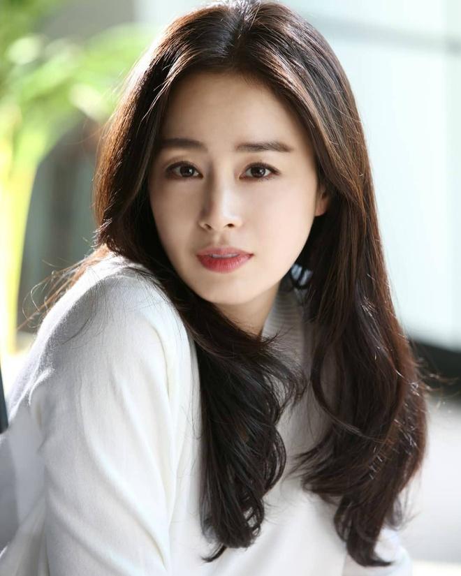 Sau 2 lan sinh no, Kim Tae Hee da giam can va giu dang the nao? hinh anh 1 Kim_Tae_Hee_giam_can_giu_dang_1_1.jpg