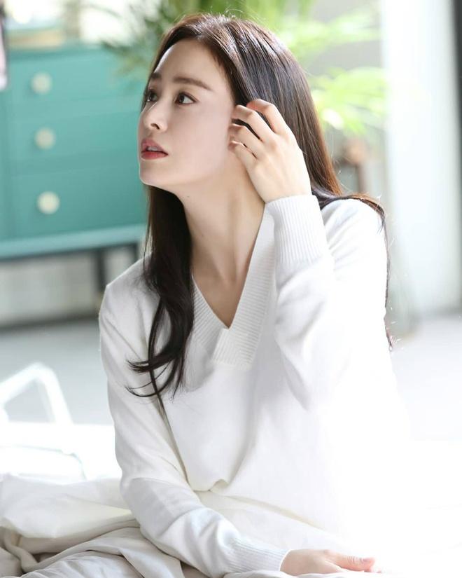 Sau 2 lan sinh no, Kim Tae Hee da giam can va giu dang the nao? hinh anh 2 Kim_Tae_Hee_giam_can_giu_dang_1_2.jpg