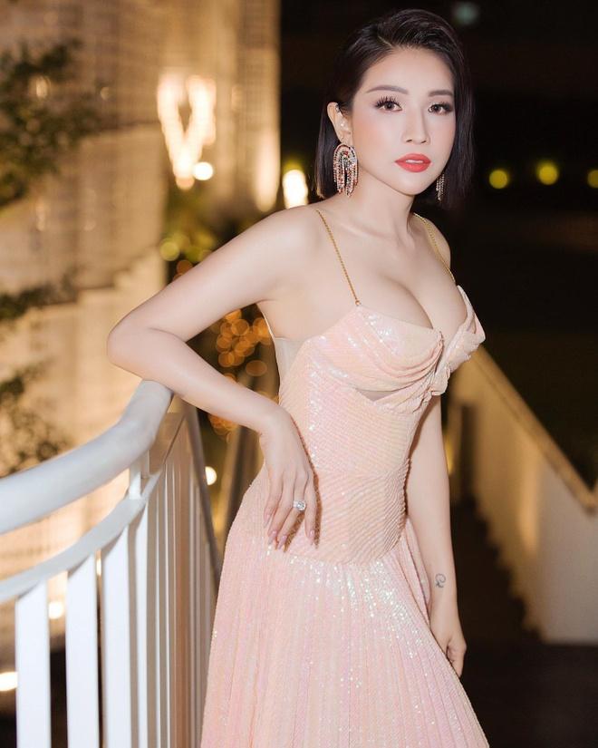 Kha Nhu anh 4