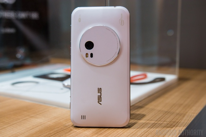Danh gia Asus Zenfone Zoom: Chong rung quang hoc, zoom 12x hinh anh