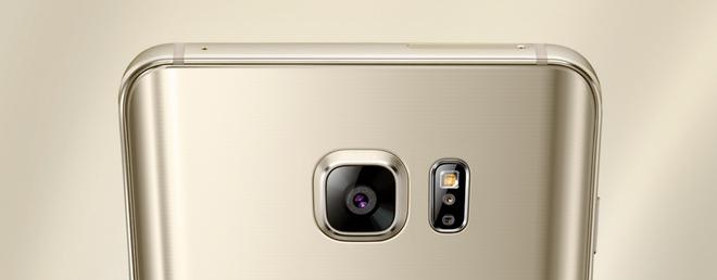 Tin don Samsung phat trien cam bien camera khong lo hinh anh 1