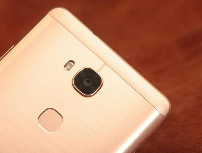 5 smartphone co cam bien van tay re nhat Viet Nam hinh anh