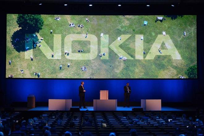 Vi sao Microsoft ban mang di dong co ban Nokia? hinh anh