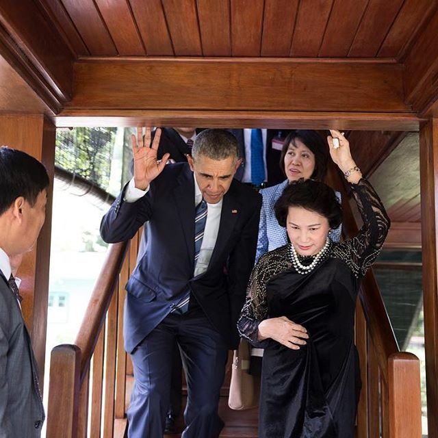 Anh, video duoc chia se nhieu ve chuyen tham VN cua Obama hinh anh 4