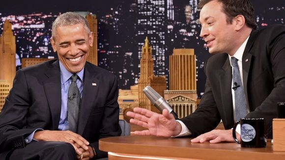 Obama che dien thoai do Nha Trang trang bi hinh anh 1
