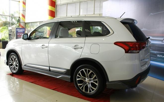 Mitsubishi Outlander 2016 dau tien tai VN, gia tu 1,1 ty hinh anh 5
