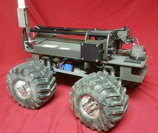 Canh sat Dallas dung robot tieu diet nghi pham khung bo hinh anh 2
