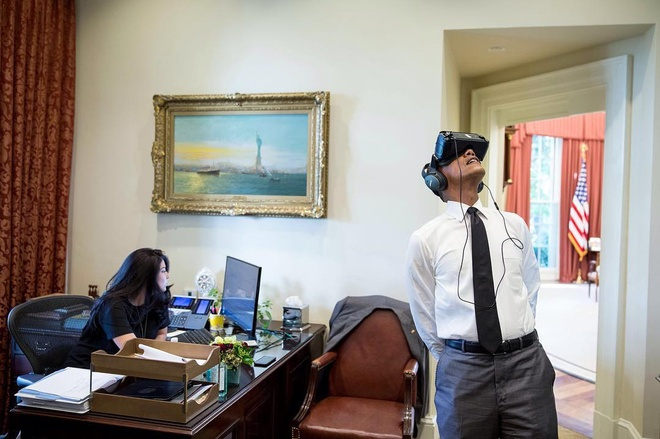 Obama - Tong thong My dau tien dung kinh thuc te ao hinh anh
