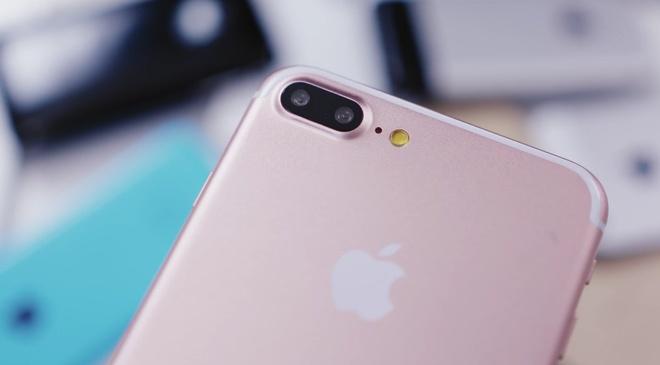 iPhone 7 va hieu ung 'nguoi den sau' hinh anh 1