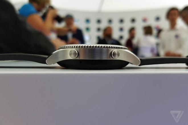 Samsung Gear S3 ra mat, day hon, them tinh nang hinh anh 3