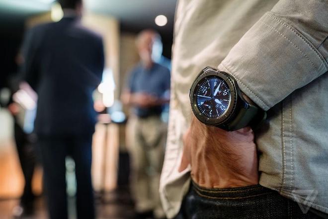 Samsung Gear S3 ra mat, day hon, them tinh nang hinh anh 5