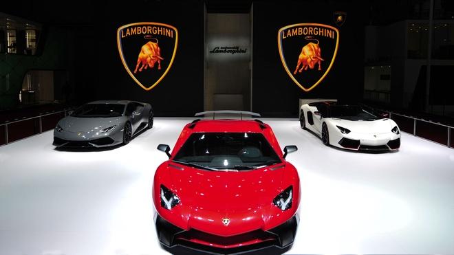 Lamborghini muon thay doi de quyen ru khach hang nu hinh anh 3