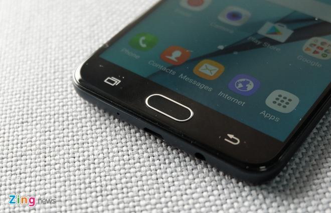Samsung Galaxy J7 Prime: Doi thu dang chu y tam gia 6 trieu hinh anh 2