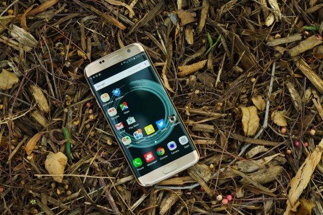 Samsung du dinh ra mat Galaxy S8 som de bu dap cho Note 7 hinh anh 1