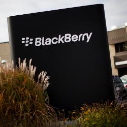 BlackBerry co the dong cua mang phan cung ngay 28/9 hinh anh