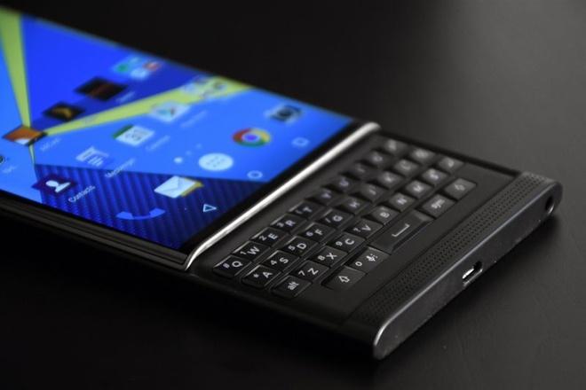 BlackBerry co the dong cua mang phan cung ngay 28/9 hinh anh 1