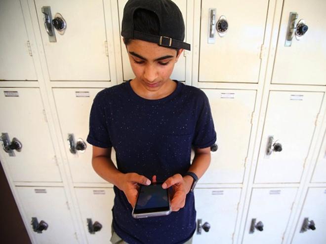 Cau be 16 tuoi tao ung dung giai toan gay an tuong voi Apple hinh anh