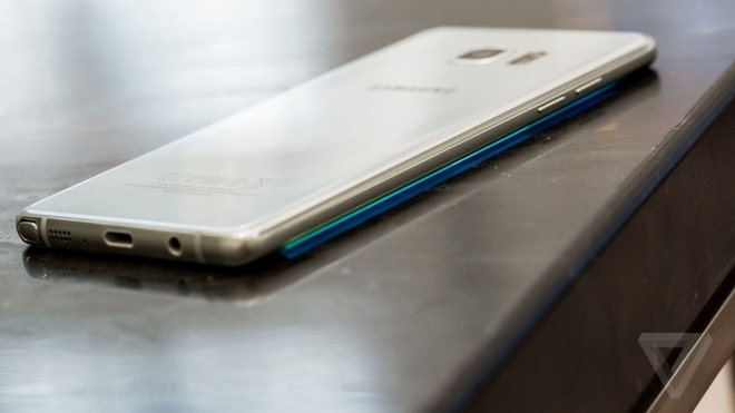 Samsung tang loi nhuan gap doi sau vu Note 7 hinh anh