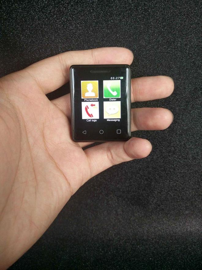 Smartphone nho nhat the gioi ra doi hinh anh 1