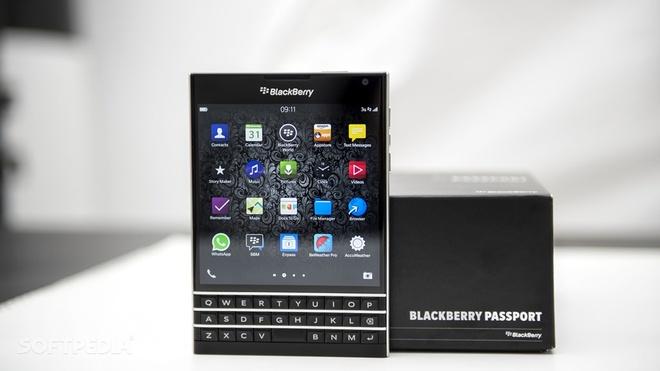 blackberry passport giam gia anh 1