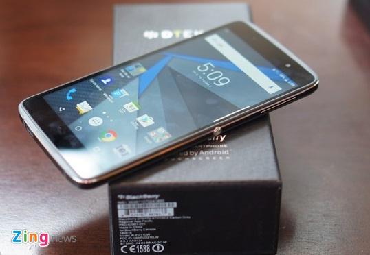 BlackBerry giam gia DTEK50, sap ban DTEK60 hinh anh