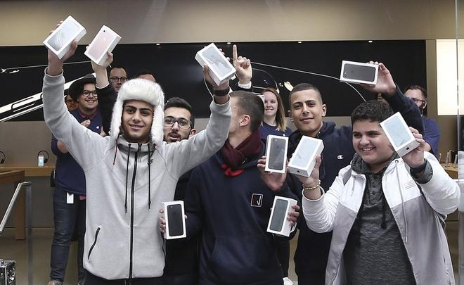 iPhone se tang gia gap doi neu san xuat tai My hinh anh 1