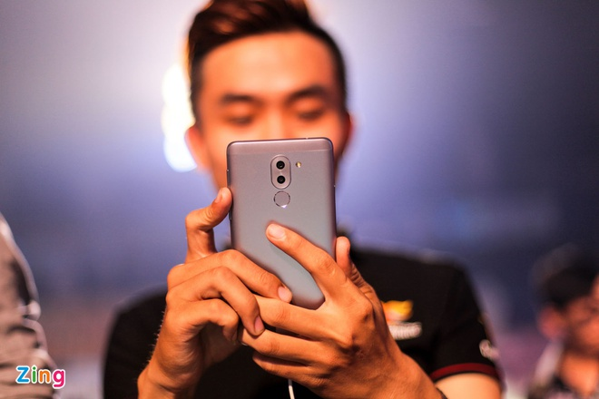 Gia Huawei GR5 2017 o Viet Nam anh 2