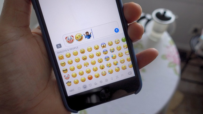 iOS 10.2 ra mat, them nhieu bieu tuong nhan tin hinh anh
