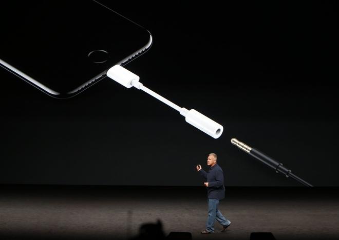 Apple dang mac lai sai lam cua 20 nam truoc hinh anh 2