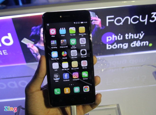Nhung smartphone gia tot ban o Viet Nam cuoi nam hinh anh 4