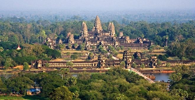 Angkor Wat dep trang le tu flycam hinh anh