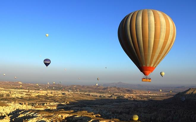 Ky quan thien nhien Cappadocia nhin tu khinh khi cau hinh anh
