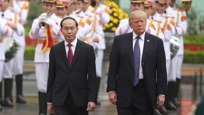 Le don Tong thong Trump tai phu Chu tich hinh anh