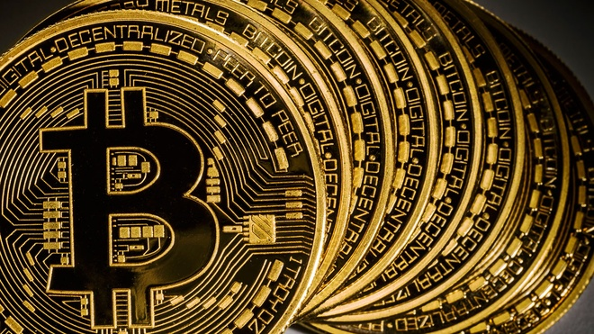 Thong doc Ngan hang Nha nuoc bi chat van ve Bitcoin hinh anh