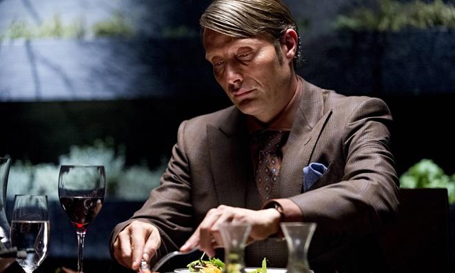 5 dien vien dien anh Hollywood noi bat tren man anh nho 2014 hinh anh 7 Mads Mikkelsen đã thủ vai Hannibal Lecter phiên bản truyền hình một cách đầy thuyết phục.